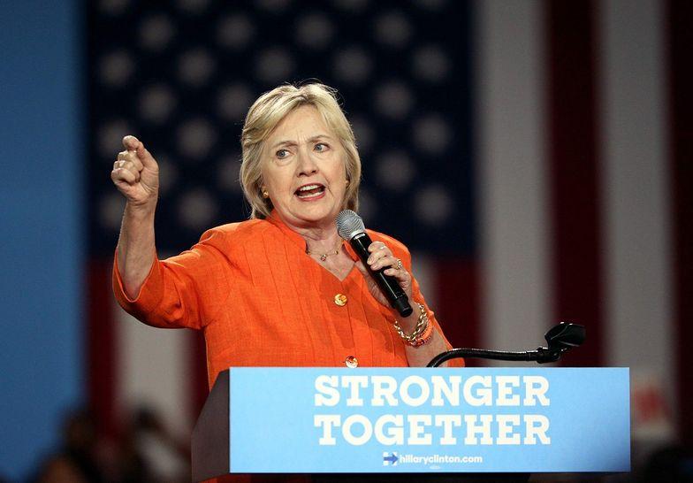 Amerykanie się zbroją w obawie przed wygraną Clinton. Wykupują pistolety i karabiny
