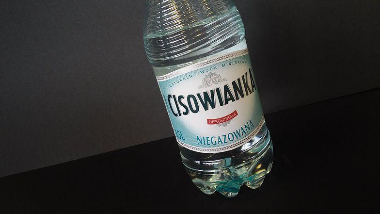 Ekspert: Razem przestrzeliło z bojkotem Cisowianki. Cała afera to burza w szklance wody
