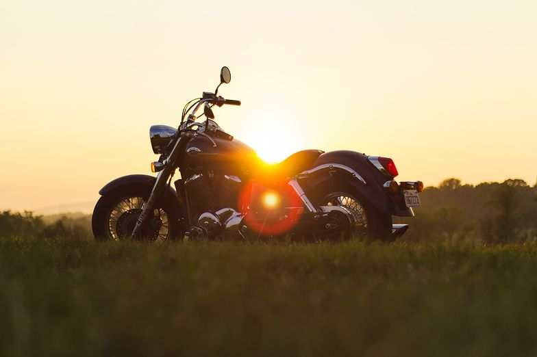 Umowa kupna-sprzedaży potrzebna jest m.in. do rejestracji motocykla