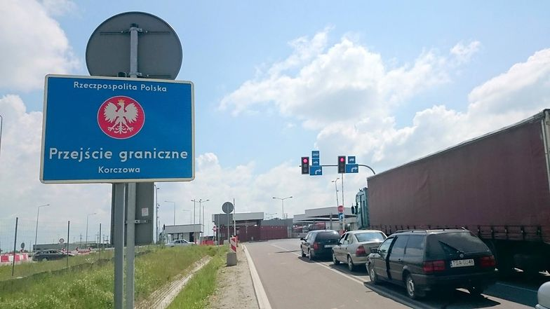 Tak obcenie wygląda przejście granicznej w Korczowej.
