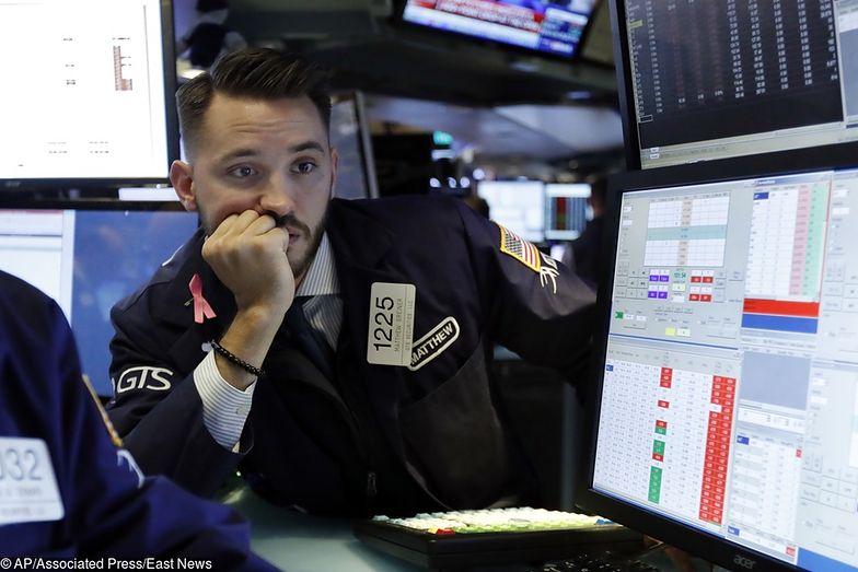 Inwestorzy z niepokojem patrzą na rozwój sytuacji na rynkach finansowych