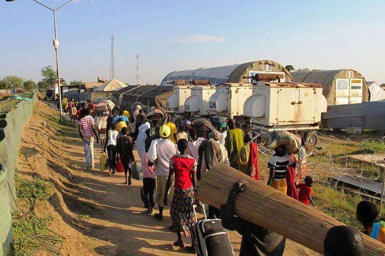 W kraju już ponad 30 tysięcy ludzi szuka schronienia