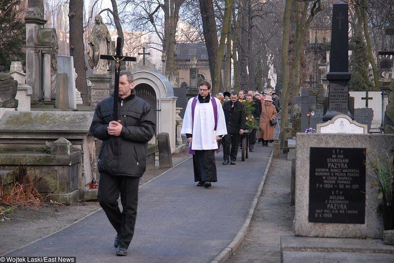 Szacuje się, że w Polsce działa 2,5 tys. zakładów pogrzebowych. Bezpardonowo konkurują ze sobą o klientów