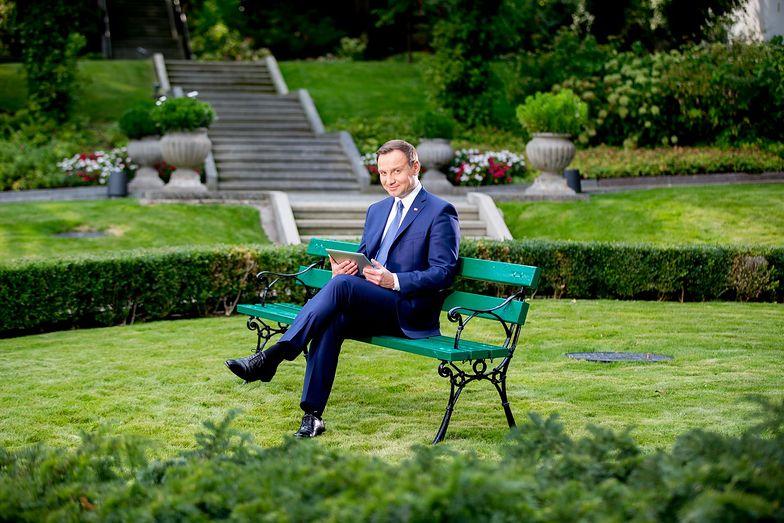 Kancelaria Andrzeja Dudy na zakupach. Urzędnicy prezydenta zamówili młot wyburzeniowy, krzyże i kilogramy mięsa