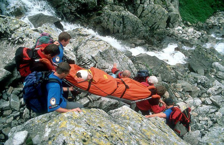 Śmiertelny upadek turysty na Rysach w Tatrach