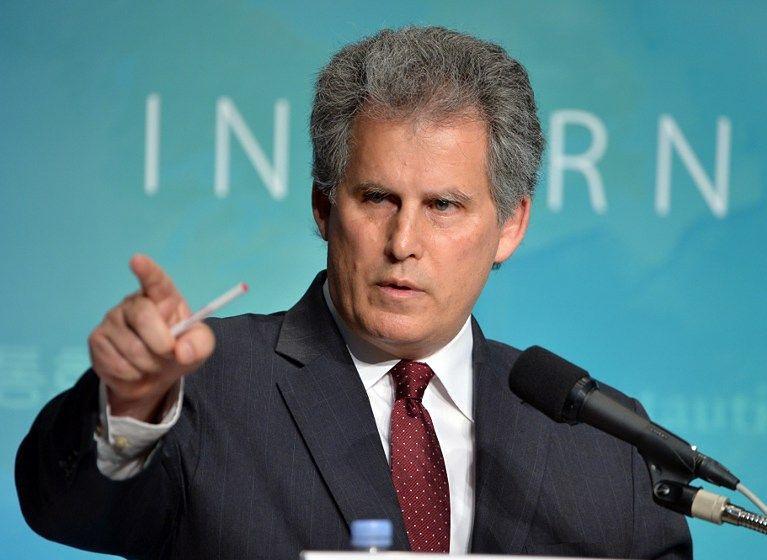 """MFW ostrzega przed """"wykolejeniem"""" globalnej gospodarki"""
