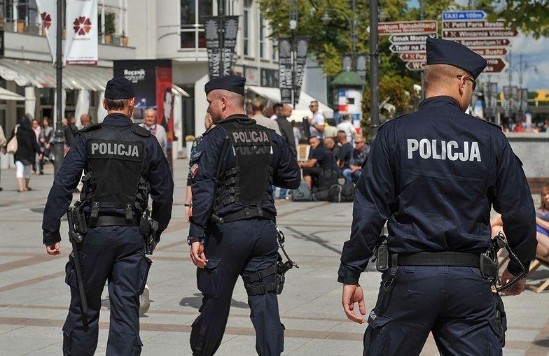 W całej Polsce brakuje policjantów. Według oficjalnych danych jest ponad pięć tysięcy wakatów.