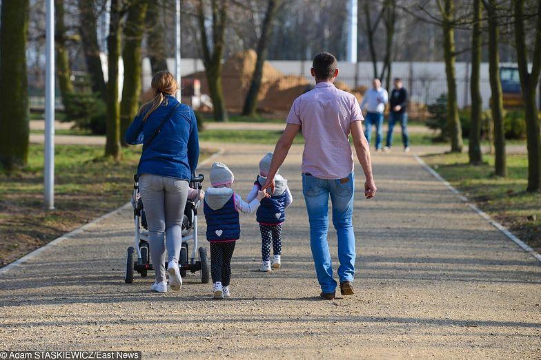 Według GUS poprawia się byt dzieci.