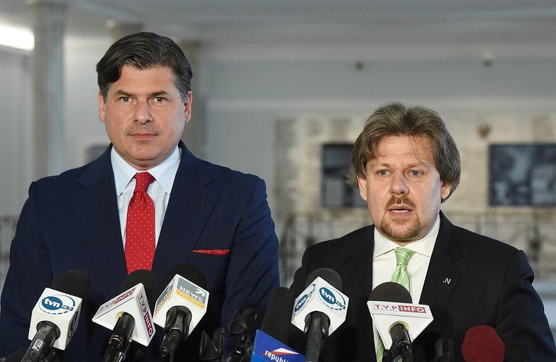 Po lewej poseł Paweł Pudłowski