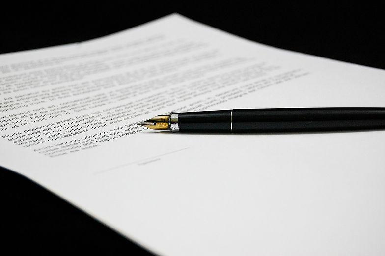 Pisemne zawarcie umowy kupna samochodu pozwala na rejestrację pojazdu