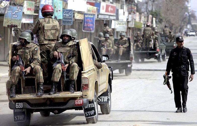 Władze Pakistanu zwolniły z więzienia 16 talibów