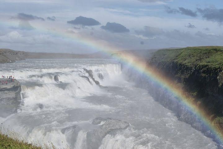 Wodospoad Gullfoss, jedna z największych turystycznych atrakcji Islandii