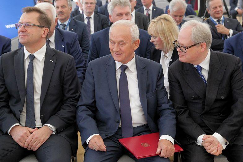 Na zdjęciu prezes Enei Mirosław Kowalik, minister energii Krzysztof Tchórzewski i prezes Energi Arkadiusz Siwko.