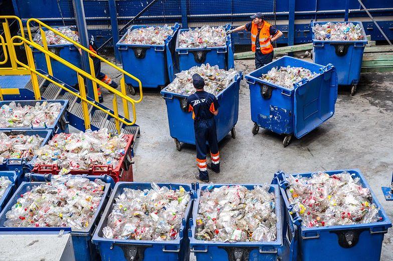 Przetargi śmieciowe. Przedstawiciele Warszawy odpierali w KIO zarzuty