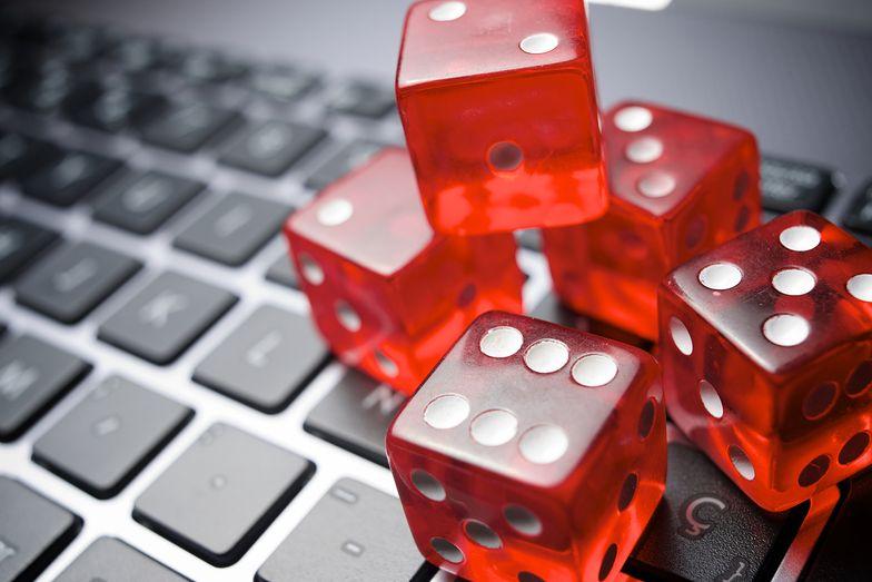 Ustawa hazardowa już zrewolucjonizowała rynek gier. Bukmacherzy odchodzą, Ministerstwo Finansów się cieszy