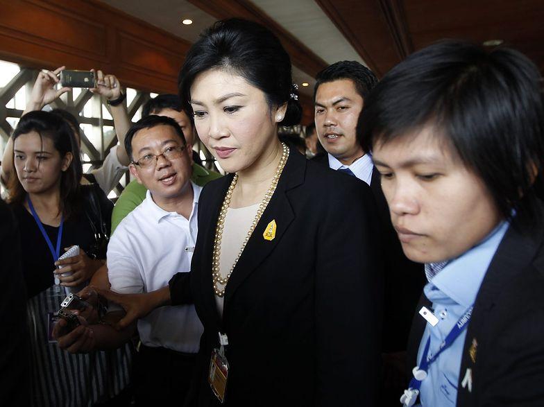 Tajlandia: premier przetrwała, ale protesty trwają