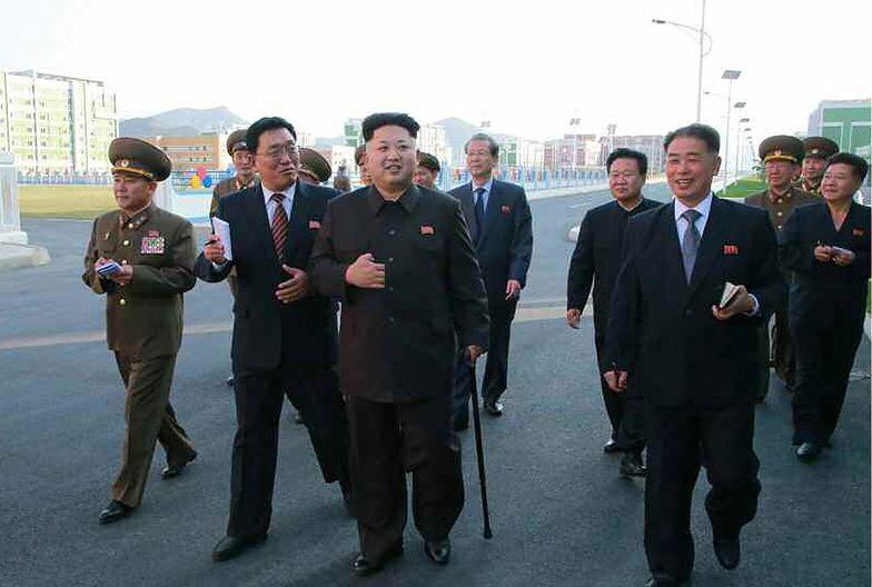 Przywódca Korei Północnej poruszał się przy <br> pomocy laski