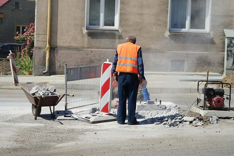 Na polskim rynku pracy brakuje wykwalifikowanych budowlańców.
