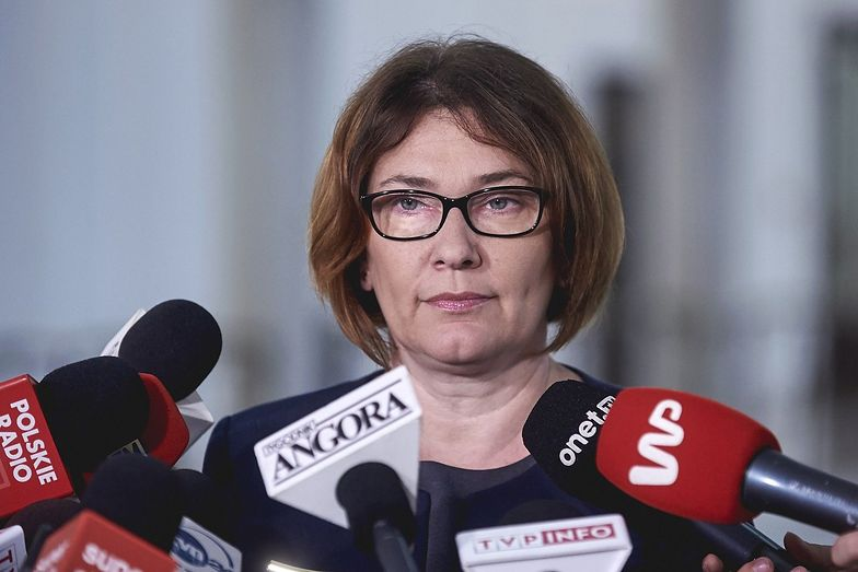 - Prawo i Sprawiedliwość nie pracuje nad żadnymi zmianami w kodeksie pracy - napisała Beata Mazurek,
