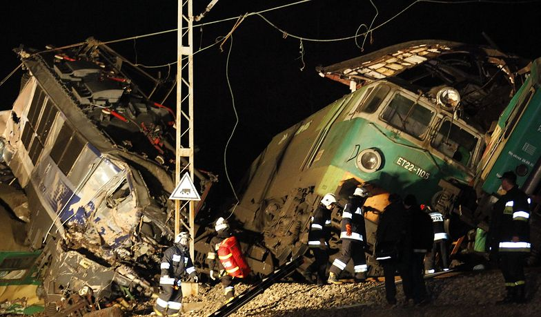 Noc z 3 na 4 marca 2012 r. Akcja ratunkowa po zderzeniu czołowym dwóch pociągów pod Szczekocinami koło Zawiercia.