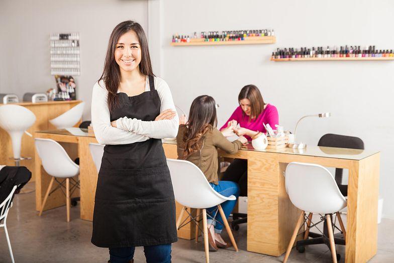 Salony na smartfony - nowe technologie szturmem zdobywają branżę beauty