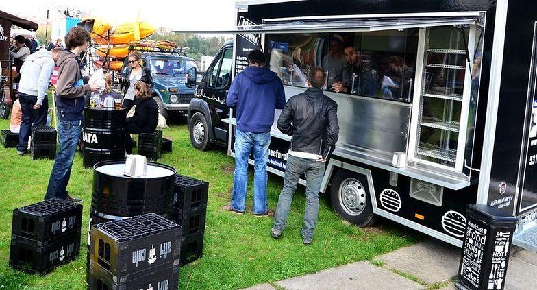Handel obwoźny obejmuje działalność prowadzoną przez właścicieli food trucków