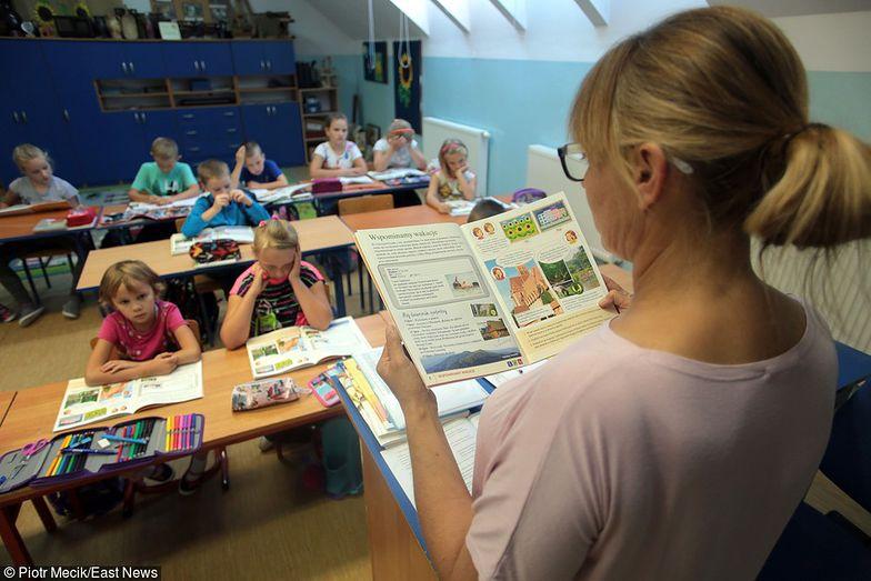 Reforma edukacji. ZNP: pracę straci ponad 9 tys. nauczycieli