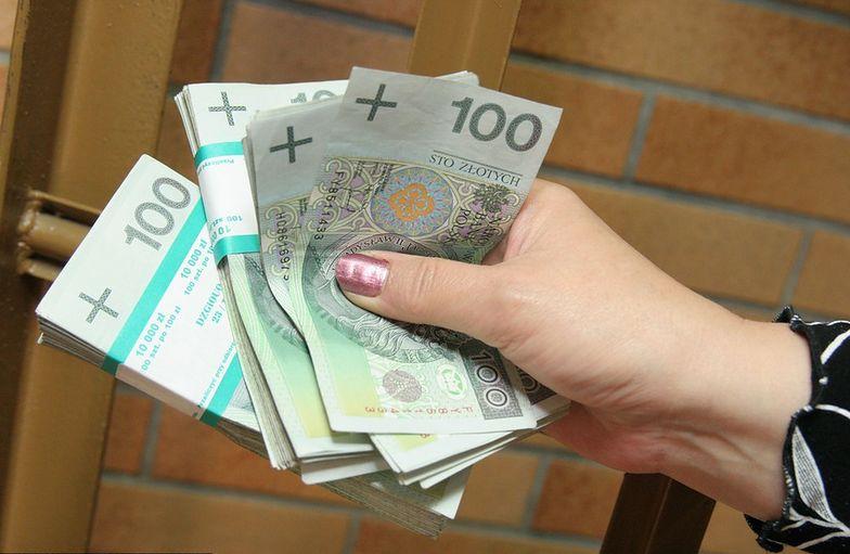 Długi polskich firm. Przedsiębiorcy mają 1,8 mld zł zaległości