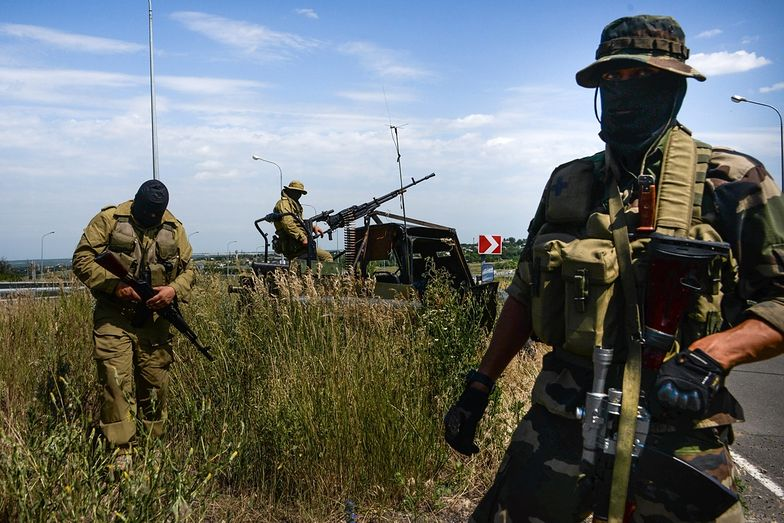 Dokładna liczba ofiar nie jest znana. Wielu zabitych<br>bojówkarze chowają na polu walki.