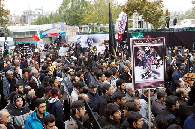 Relacje Iran Ameryka. Antyamerykański protest w Teheranie