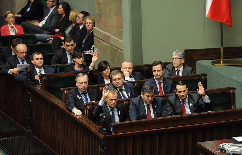 Politycy zaskakująco oceniają kolejny rok rządów Tuska