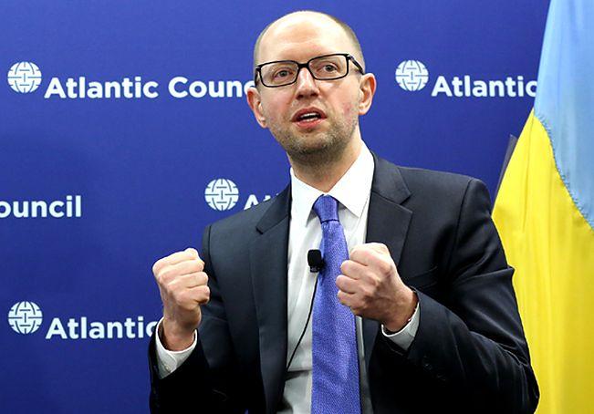 """Arsenij Jaceniuk apeluje o utrzymanie sankcji. """"Każdego dnia, mimo rozejmu, tracimy żołnierzy ukraińskich"""""""