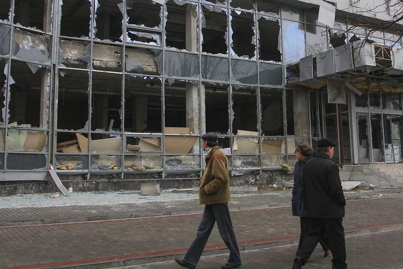 Wojna na Ukraina. Krwawy bój o donieckie lotnisko trwa