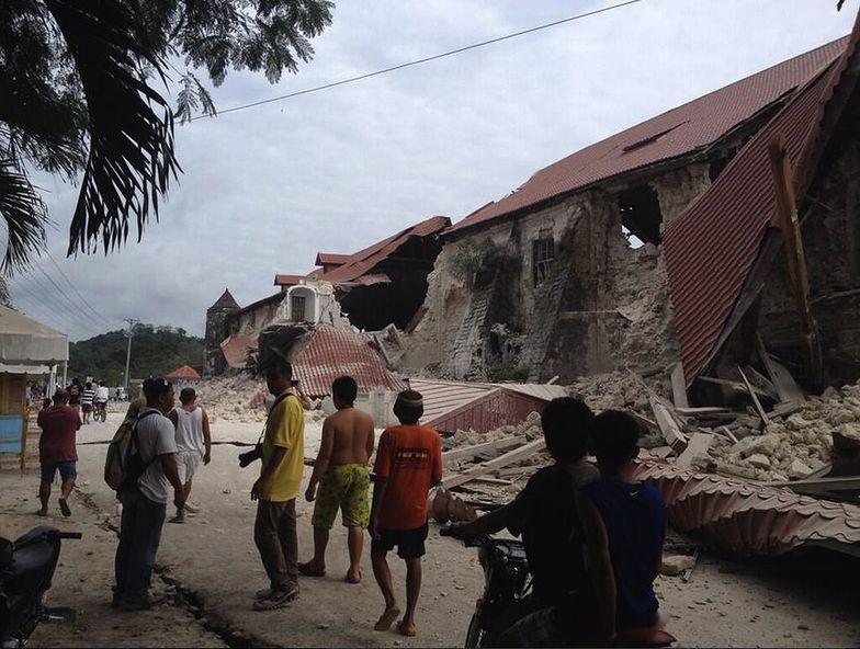 Trzęsienie ziemi na Filipinach. Rośnie liczba ofiar