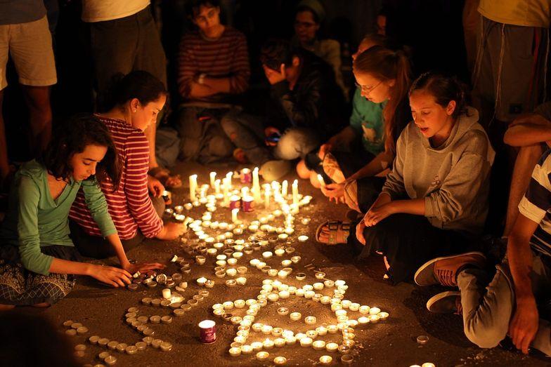 Zabójstwo młodych Izraelczyków. Świat potępia, Izrael niszczy domy podejrzanych