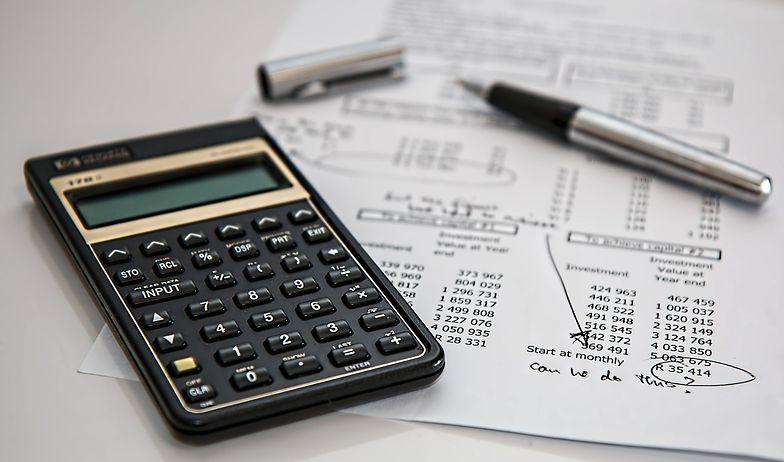 Na politykę rachunkowości składa się szereg niezbędnych elementów