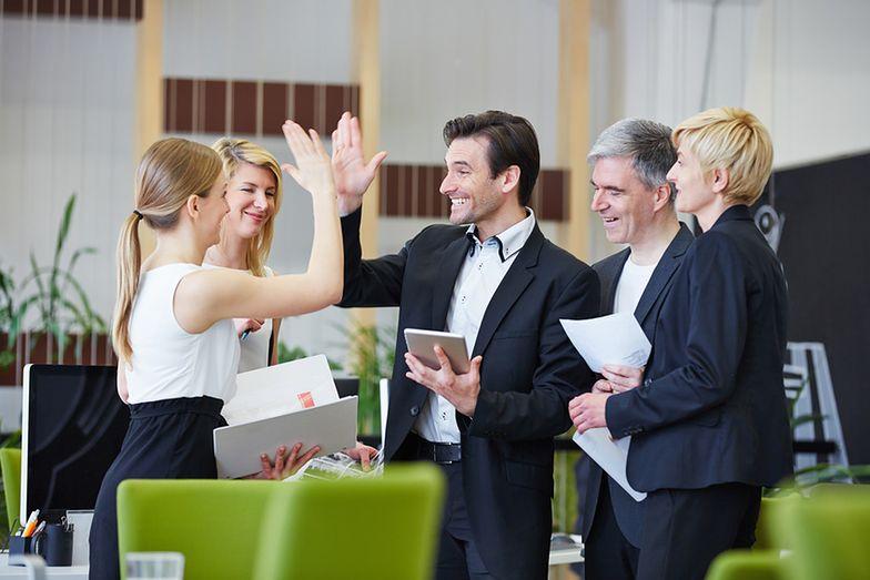 Zakładanie firmy. Młodzi ludzie w większości myślą o prowadzeniu własnego biznesu