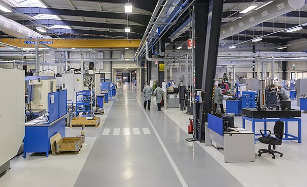 Jakie jest zastosowanie wytłaczarki w zakładzie produkcyjnym?