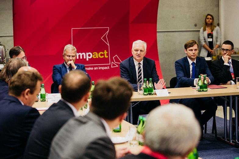 Polska jest na początku drogi do stworzenia odpowiednich warunków do rozwoju i wykorzystywania sztucznej inteligencji.