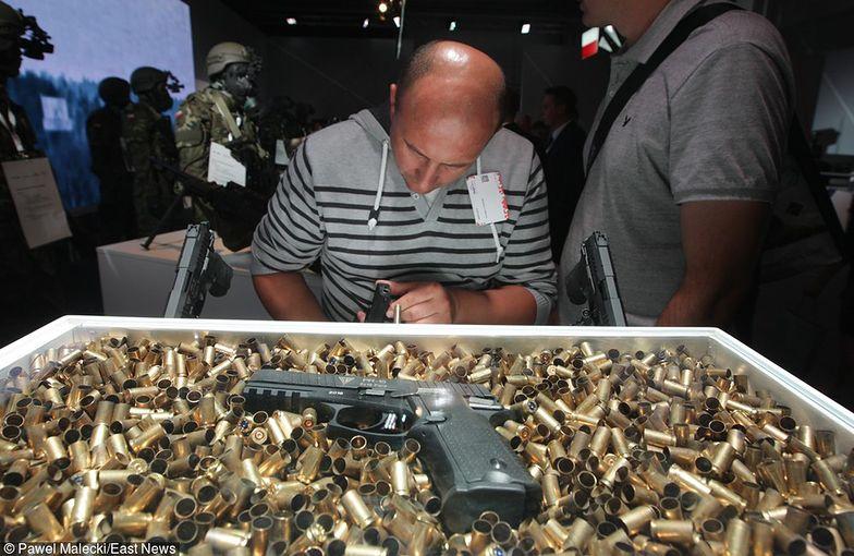 "Pistolet samopowtarzalny PR-15 Ragun 9x19 mm - Fabryka Broni ""Łucznik"""