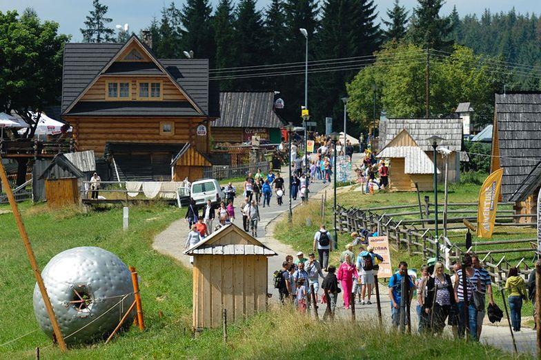 Policyjny śmigłowiec będzie ratował turystów w Tatrach