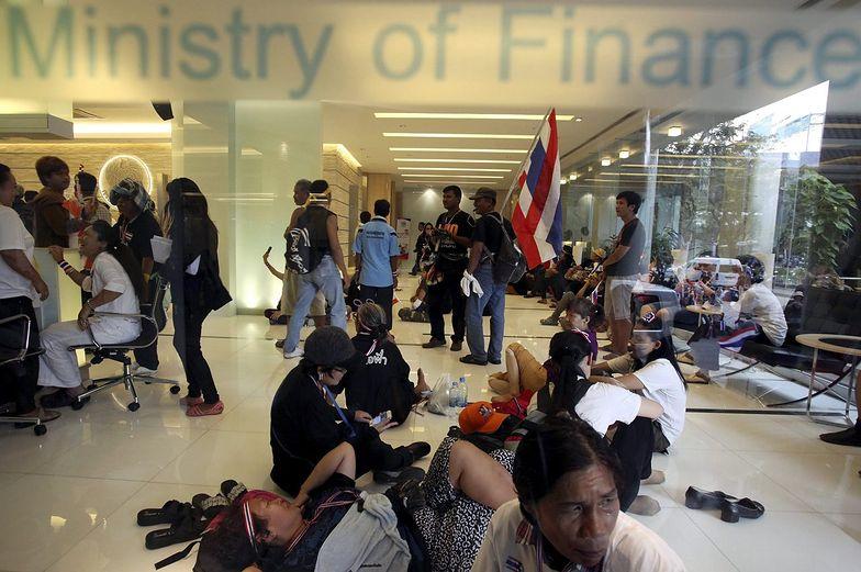 W Tajlandii atak na resort finansów i MSZ
