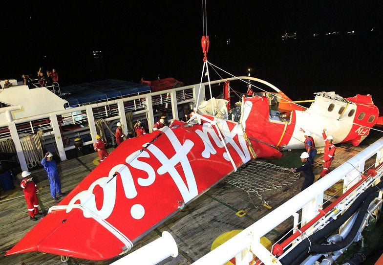 """Samolot linii AirAsia przed katastrofą wznosił się """"jak myśliwiec"""""""