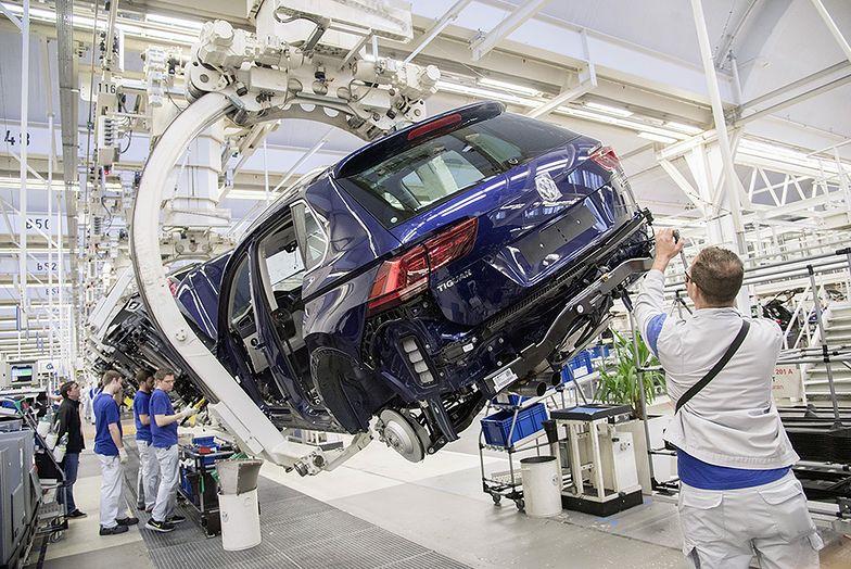 W polskim przemyśle powstają dwa na trzy nowe miejsca pracy w całej Unii