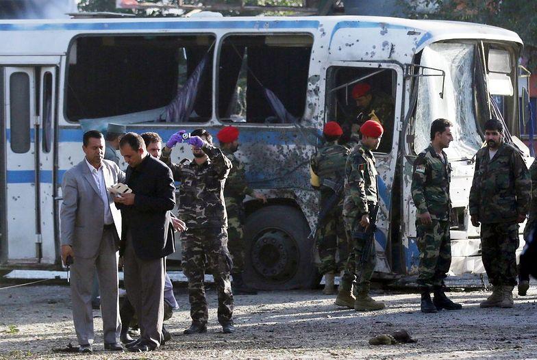 Zamachy w Afganistanie. Talibowie organizują zamachy samobójcze