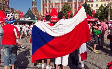 Polacy najbardziej lubią Czechów. Nowy sondaż CBOS