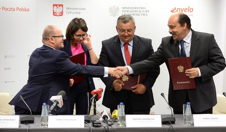 Poczta Polska wesprze cyfryzację państwa. Kolejki w urzędach będą krótsze?