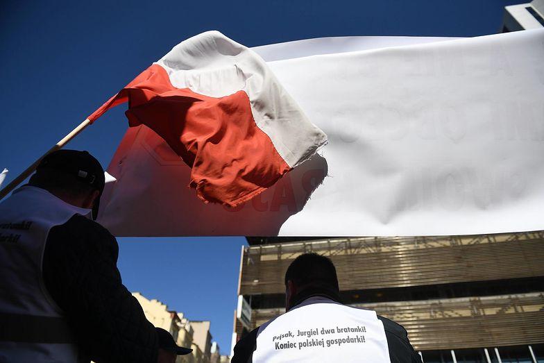 Rolnicy deklarują, że protestują w obronie polskiego rynku