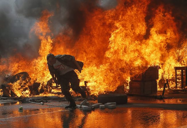 Konflikt na Ukrainie. Niespokojnie na Majdanie, pożar został ugaszony
