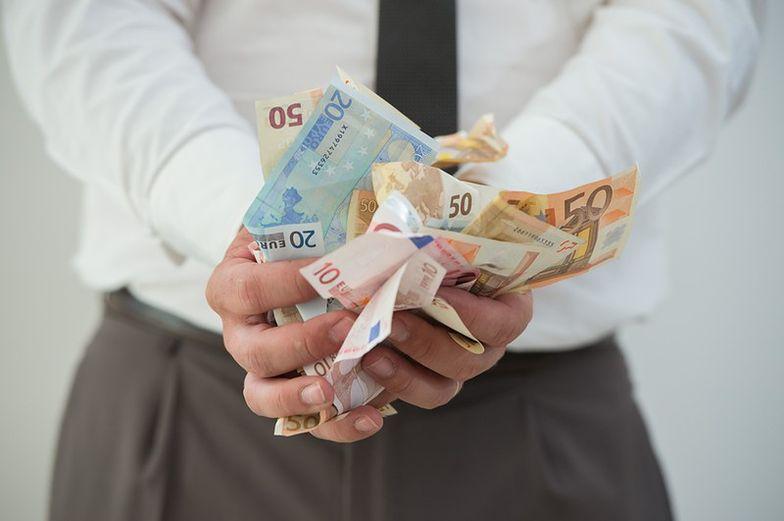 Włochy: Rozbito wielki gang fałszerzy euro